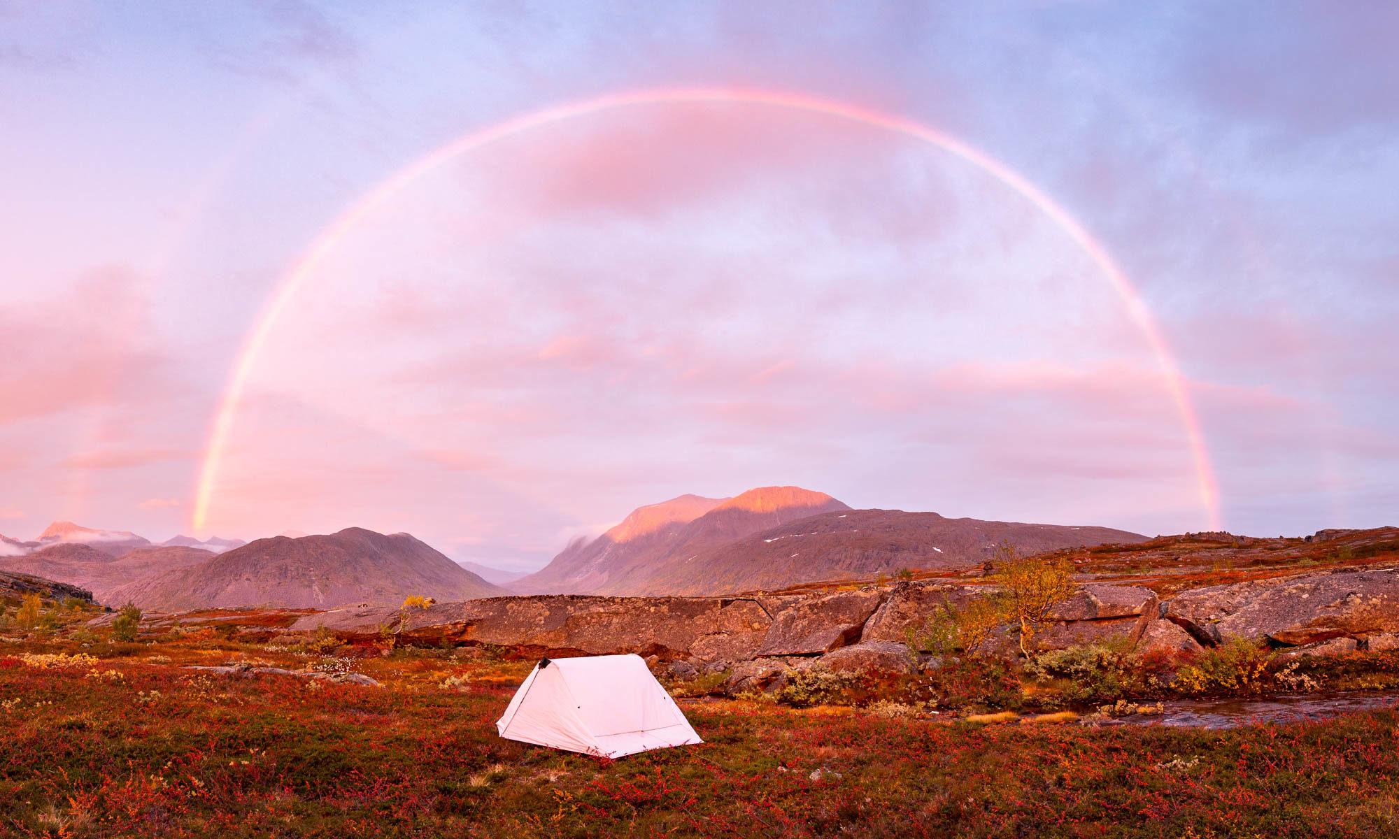Vaelluskurssi, telttaile Nuuksiossa ja vaella Lapissa. Teltta, tunturit ja ruska, Lappi.